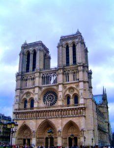 11 Cosas que hacer en París Gratis: Visitar la Catedral de Notredame