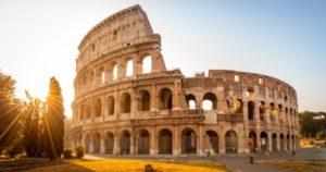 Coliseo romano. Descubre la época más barata para viajar a las 7 maravillas del mundo moderno
