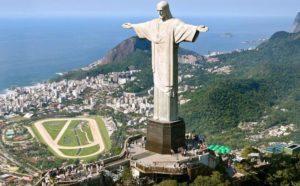 Cristo redentor. Descubre la época más barata para viajar a las 7 maravillas del mundo moderno