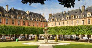 11 Cosas que hacer en París Gratis: Place Des Vosgues