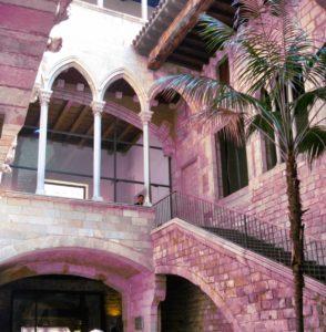 10 Cosas Que Hacer Gratis en Barcelona: Recorrido por El Born