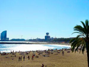 10 Cosas Que Hacer en Barcelona Gratis: Caminar por el Paseo Marítimo