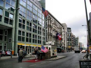 Qué hacer en Berlín en 3 días: Checkpoint Charlie